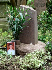 Aleksander Litvinenkos grav, Highgate cemetery. Foto: Lena Breitner